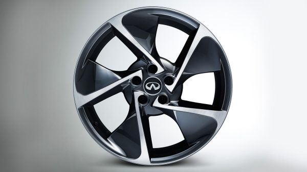 INFINITI Q30 Premium Active Crossover Accessories 19Inch Alloy Wheel