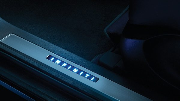 INFINITI QX70 Crossover SUV Accessories Illuminated Sill Plate