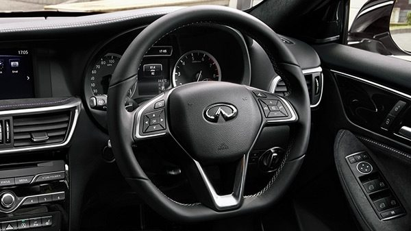 INFINITI Q30 Premium Active Crossover Performance Dual Clutch Transmission