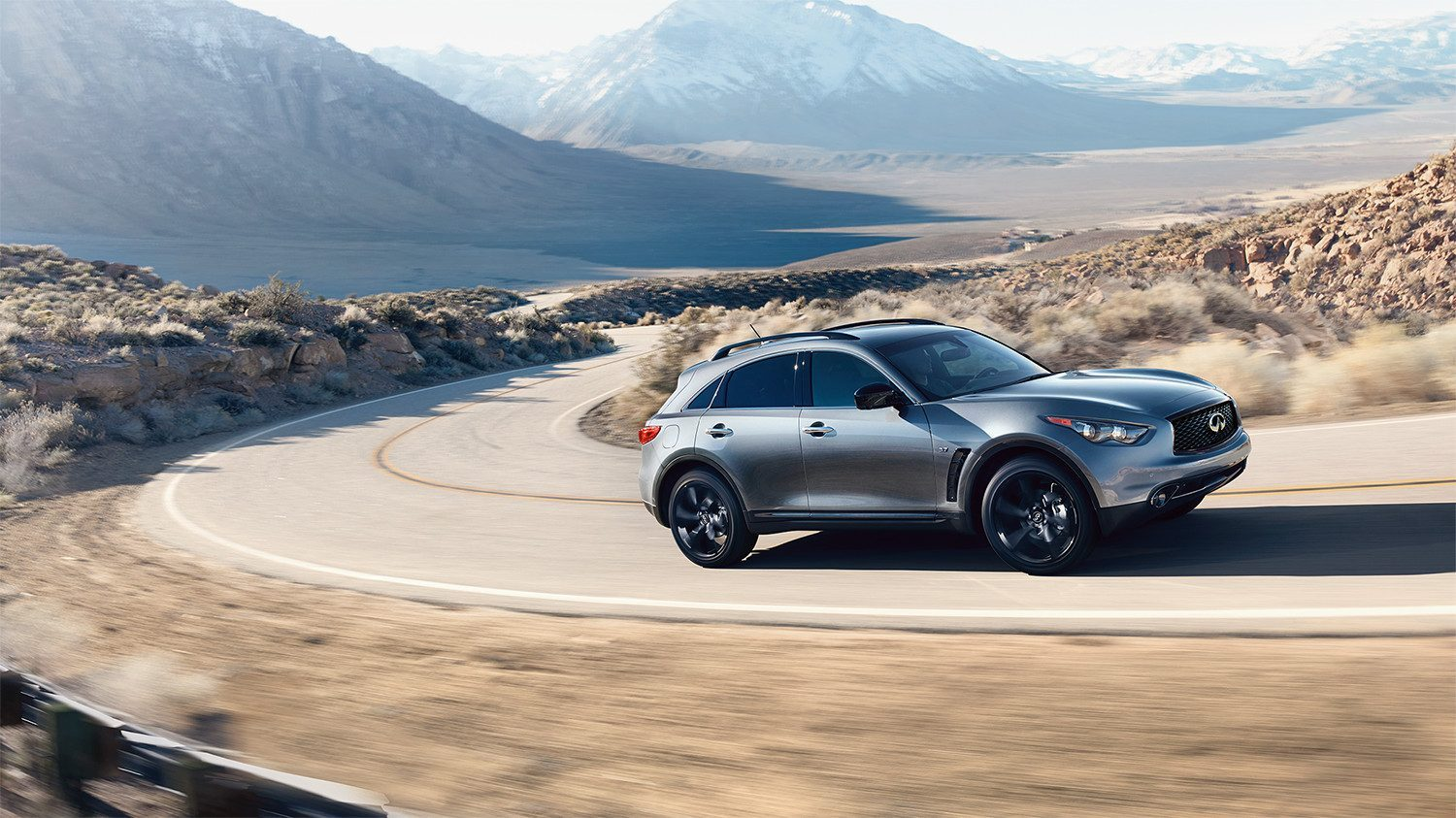 INFINITI QX70 Crossover SUV Exterior Sports Car Inspired Silhouette 2
