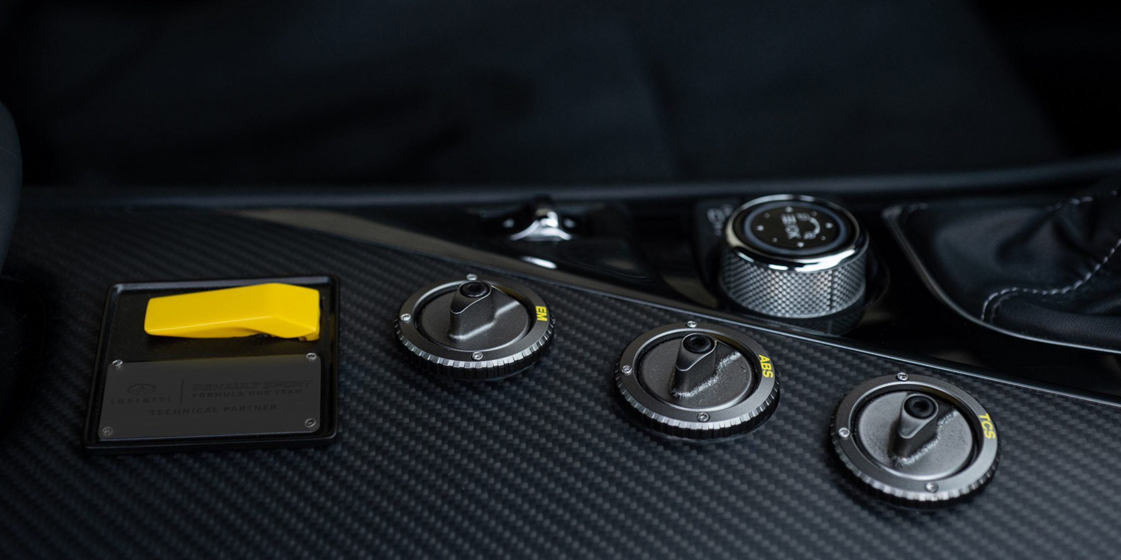INFINITI Project Black S interior technology and buttons for drivers