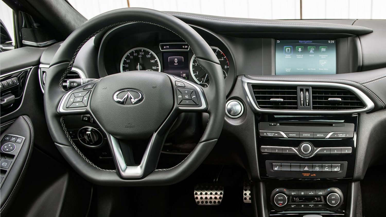 2018 INFINITI QX30 Crossover Connectivity Features