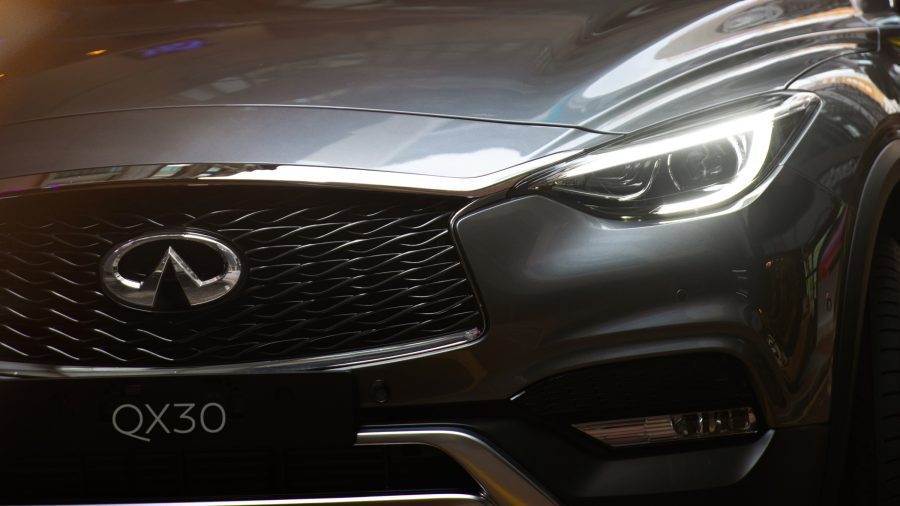 2017 INFINITI QX30 Crossover Exterior Signature LED Lighting