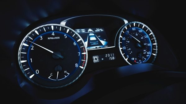 2018 INFINITI QX60 Crossover interior gauges