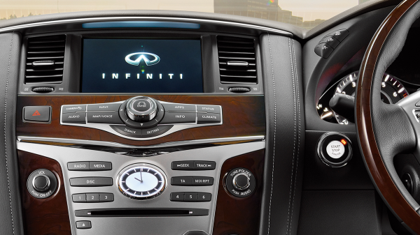 2018 INFINITI QX80 Luxury SUV Connectivity INFINITI InTouch System