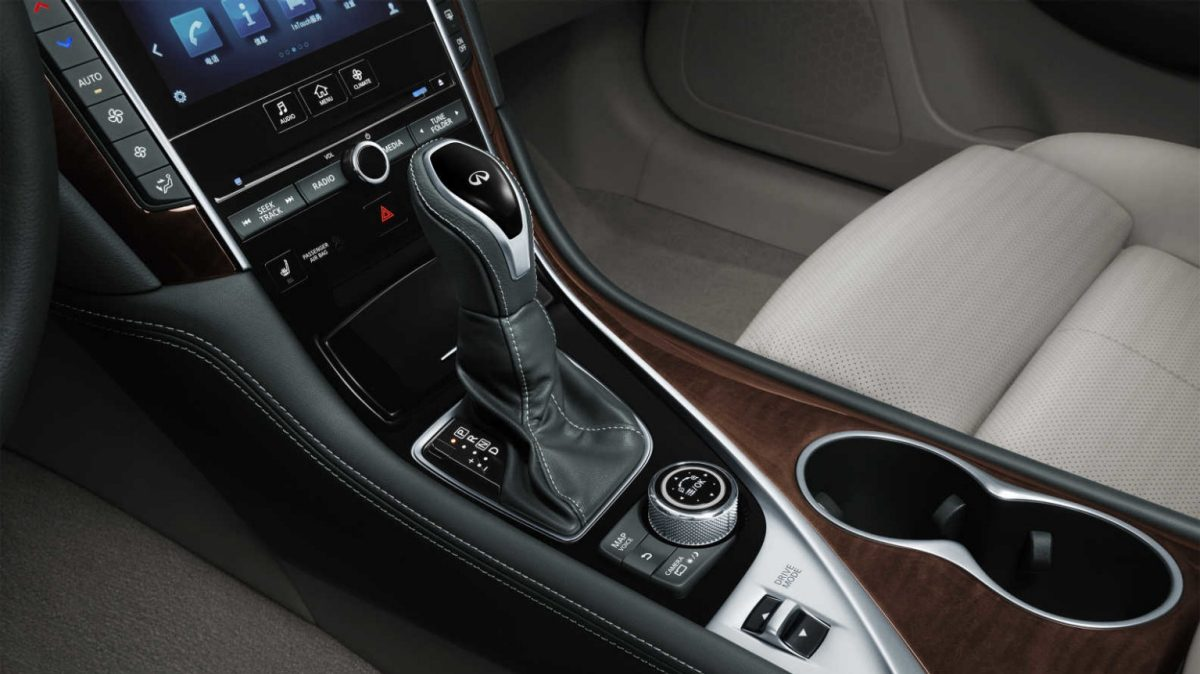 2018 INFINITI Q50 Red Sport Sedan Design Gallery | Multi Function Steering Wheel