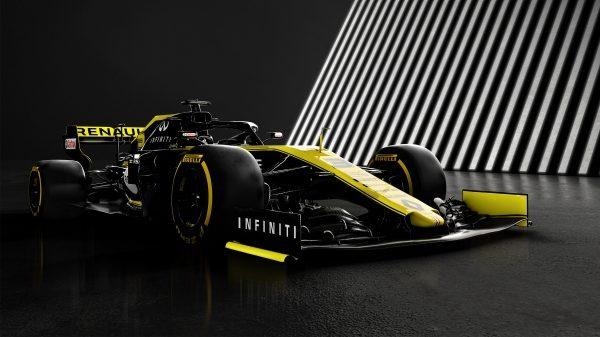 英菲尼迪與雷諾F1車隊賽車