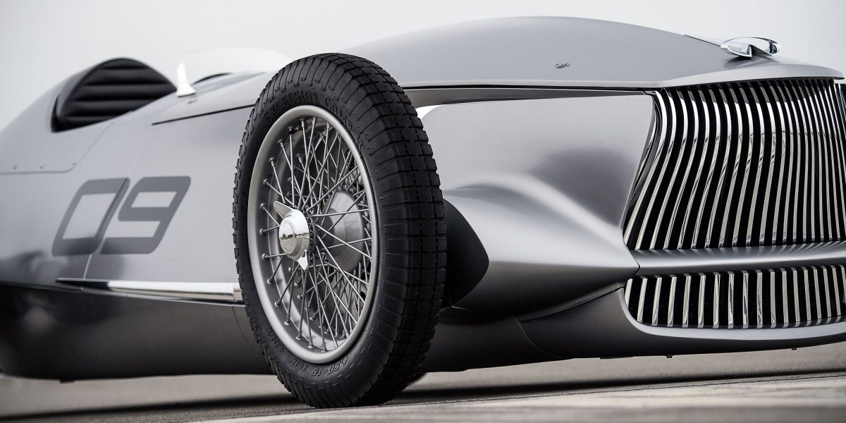 Front Side Profile Deign Including INFINITI's Signature Double-Arch Grille| INFINITI Prototype 9 e-roadster