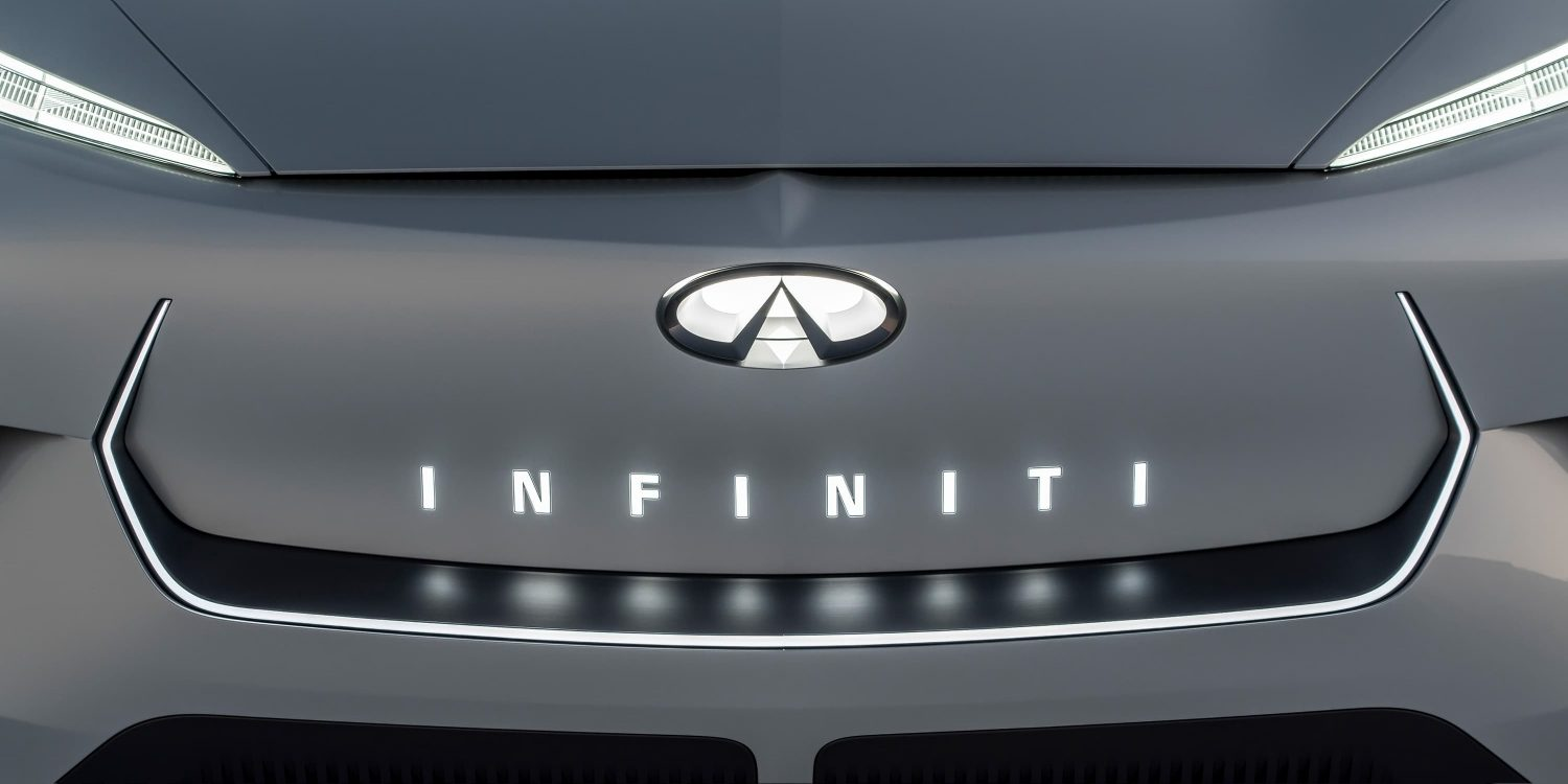Infiniti QX Inspiration close up front logo