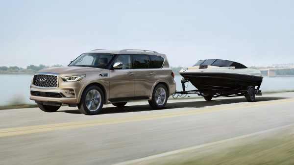 2018 INFINITI QX80 SUV Performance | Over 3800 Kilograms in Towing Capacity